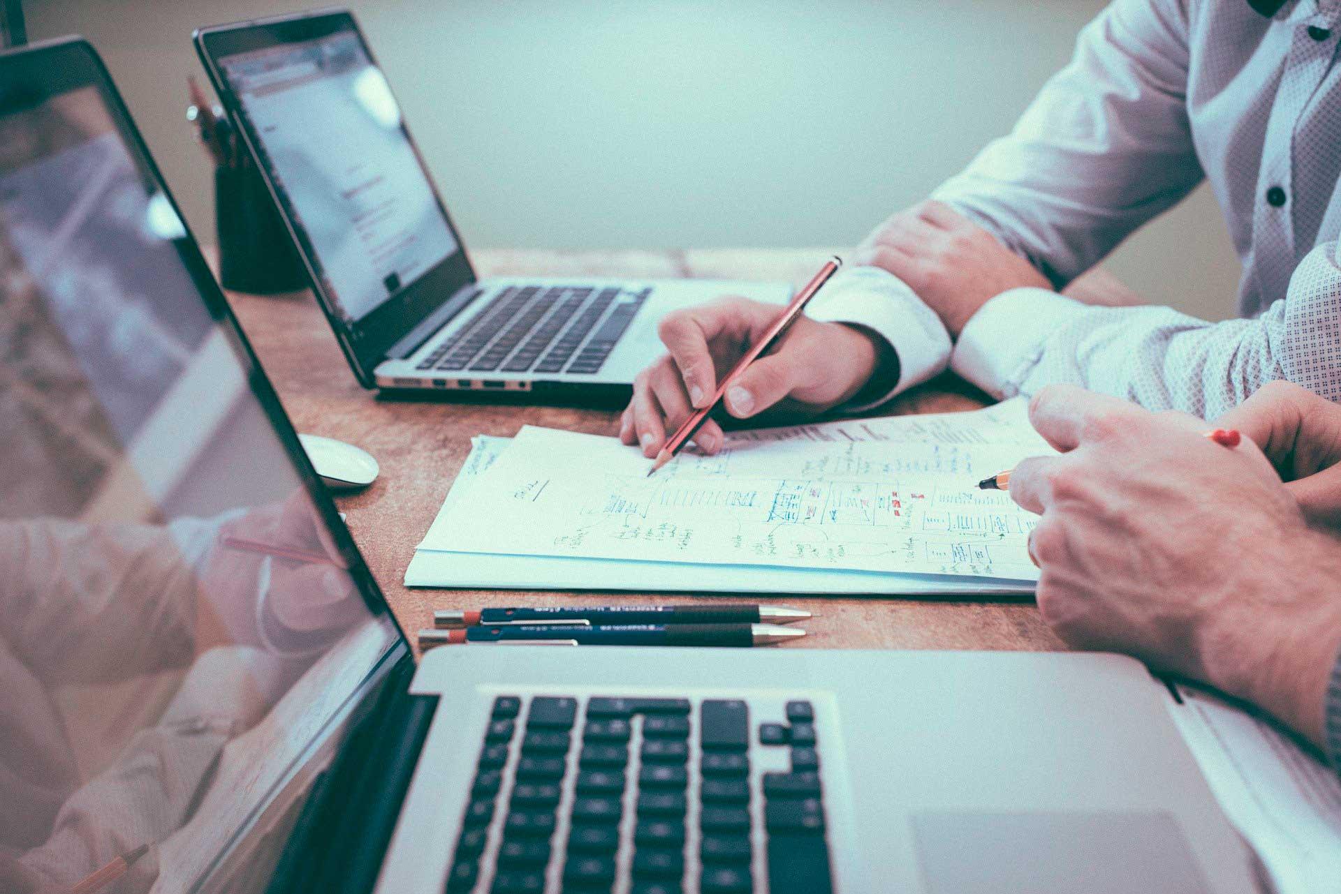 Lee más sobre el artículo Seleccionamos asistente/traductor de apoyo al CEO de la compañía